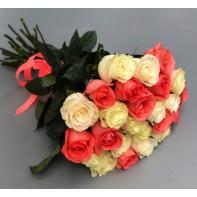"""Букет цветов """"Розы коралово-белые"""""""