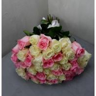 """Букет цветов """"Розы розово-белые"""""""